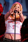 Kelly Clarkson btw she looked hot on SNL tonite ... especially the thing she was wearing on the second song ... Foto 44 (Кэлли Кларксон Кстати она посмотрела на Hot Tonite SNL ...  Фото 44)