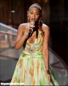 Beyonce Knowles Performing at Oscars Foto 49 (����� ����� ���������� �� ������ ���� 49)